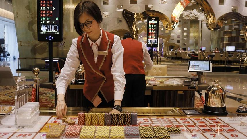 Khách Trung Quốc ở nhà, Macau mất ngôi 'thủ đô cờ bạc châu Á'